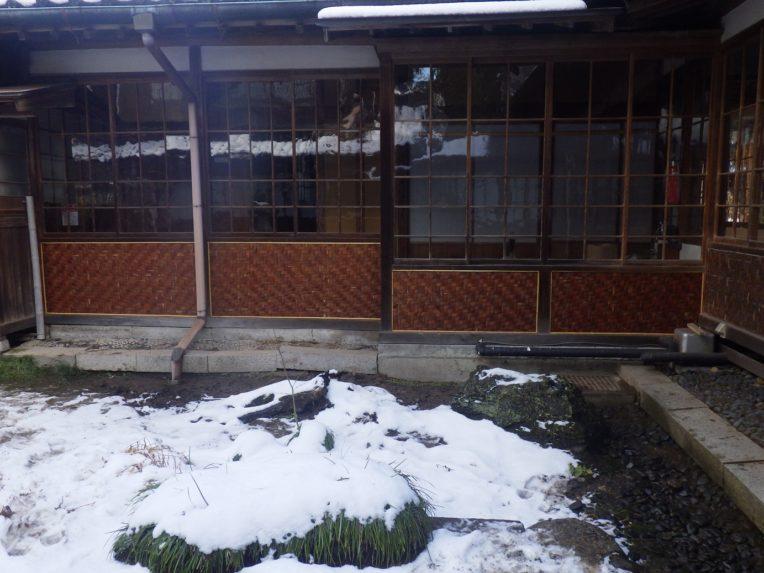 北方文化博物館外壁腰板貼替え工事